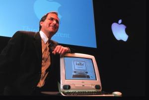 steve-jobs-with-iMac