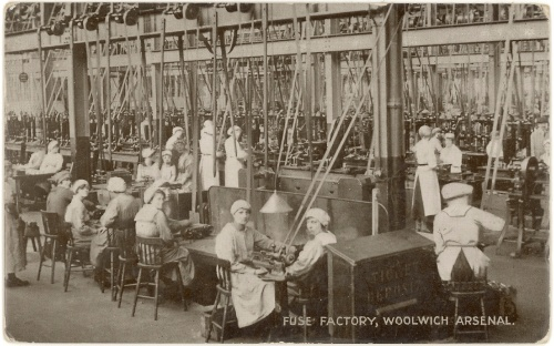 Workers_in_the_fuse_factory_Woolwich_Arsenal_Flickr_4615367952_d40a18ec24_o